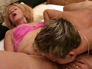 गर्म दादी सेक्स