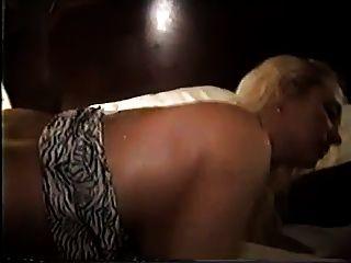 गोरा विवाहित पत्नी gangfucked और पूरी तरह से इस्तेमाल किया 2