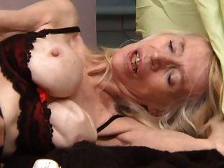 फ्रेंच बदसूरत परिपक्व फूहड़ Marie-anorexique