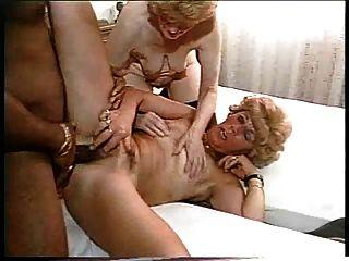 2 BBW grannies काला डिक बकवास