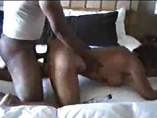 एक अपमानजनक बकवास: slutty पत्नी बीबीसी द्वारा pounded हो जाता है