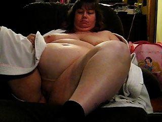 वांडा उसे भारी स्तन और योनी दिखावा