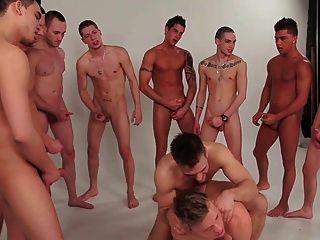 समलैंगिक लड़कों गिरोह बैंग समूह 2 schwule jungs twinks