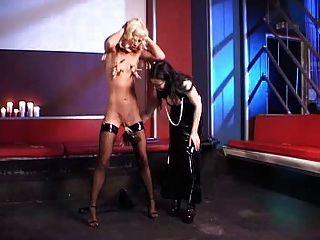 जर्मन मालकिन और छोटे गुलाम लड़की 2