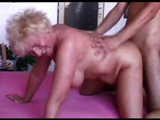 सेक्सी माँ N102 गोरा BBW परिपक्व और एक युवक को