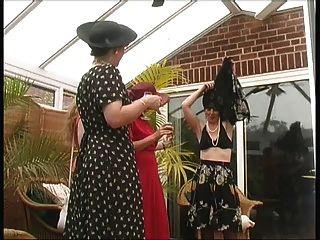 गांव महिलाओं गर्मियों त्योहार