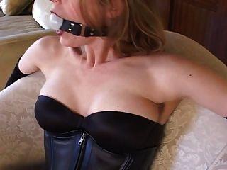 सेक्सी मोज़ा और ऊँची एड़ी के साथ बंधन (काला 6 इंच पंप)