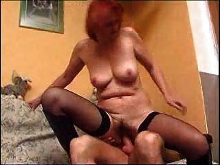 परिपक्व बूढ़ी औरत 18