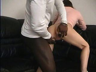 शौकिया पत्नी बीबीसी द्वारा गड़बड़ कर दिया!