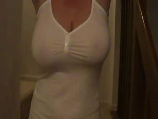 sexymilf प्राकृतिक फांसी स्तन