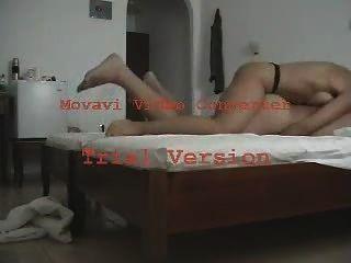 ग्रीक पत्नी पर एक पट्टा के साथ fucks