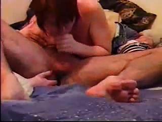 उसके गधे छूत और अपने मुर्गा चूसने