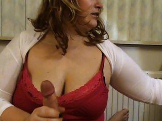 बड़े स्तन उल्लू नौकरी के साथ एमआईएलए