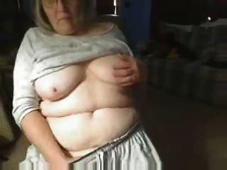 गांठदार दादी वेब कैम पर मज़ा आ रहा है