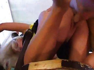 परिपक्व महिला युवा लड़के को बकवास