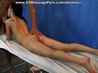 नग्न मालिश करने में मुश्किल गुदा मैथुन