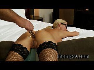 सेक्सी सचिव एमआईएलए वीडियो पर गड़बड़