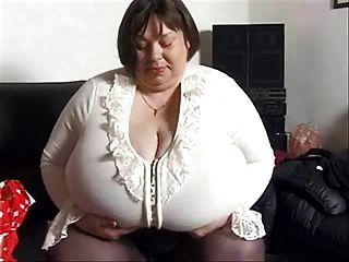 श्रीमती।Inga हाथी स्तन - मात्रा 1
