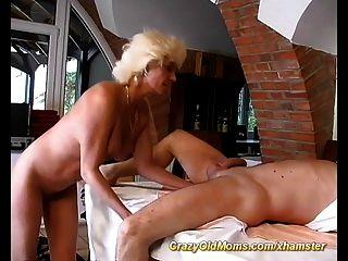 माताओं पहली गुदा सेक्स