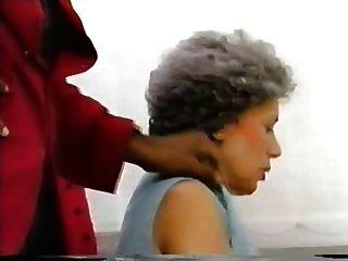 70 Jahr graues हार-अन्ना Berger