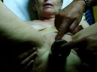 बहुत गर्म दादी संभोग