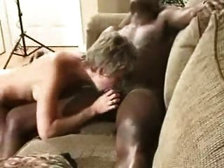 कामुक पत्नी और काले आदमी जंगली जा रहा