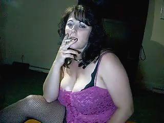 संचिका माँ सह करने के लिए आपको बताता है, जबकि वह धूम्रपान करता है - आग बर्फ से