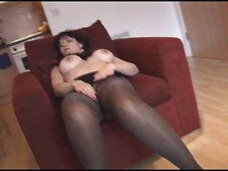 मूर्ख नकली स्तन pantyhose और मोज़ा में परिपक्व