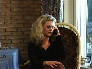 geile ड्यूश Blondine durchgefickt भाग 1