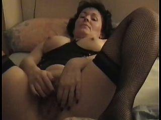 पति के लिए परिपक्व बालों वाली गर्म महिला Masturbating