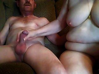दादा और दादी सामने वाला कैमरा में सेक्स कर