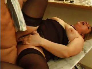 सेक्सी गधा के साथ फ्रेंच परिपक्व 9 परिपक्व बीबीडब्ल्यू