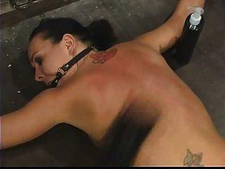 जूली रात बंधे नीचे का सामना करना पड़ता है, और punished.4twenty!
