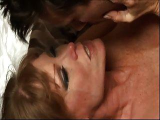 गर्म busty कौगर डार्ला क्रेन आवेशपूर्ण सेक्स