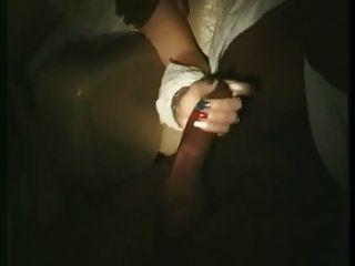 फ्रांसीसी पत्नी को छुआ और अश्लील सिनेमा में पाला (80)