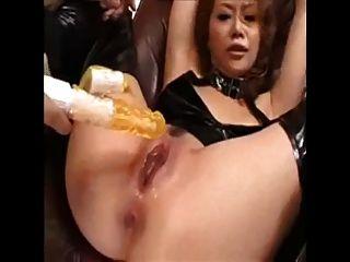 पागलों की तरह एशियाई लड़की squirts