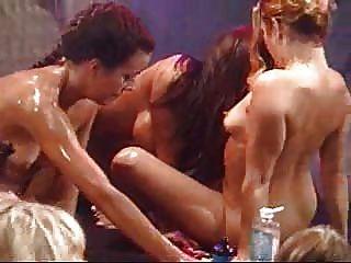 लेस्बियन तेल नंगा नाच