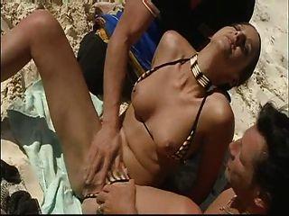गर्मियों में समुद्र तट डबल प्रवेश मज़ा!सनस्क्रीन याद है!देखना दर टिप्पणी पढ़ें!