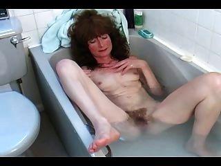 स्नान में बालों परिपक्व