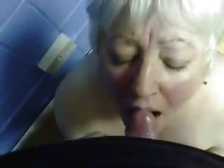 मेरे पुराने चाची के मुंह में कमिंग !!