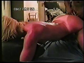 वह कुछ काला लंड के लिए अपार्टमेंट के लिए आया था