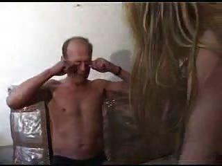 गंदा बूढ़े आदमी Snahbrandy द्वारा एक युवा गोरा बकवास