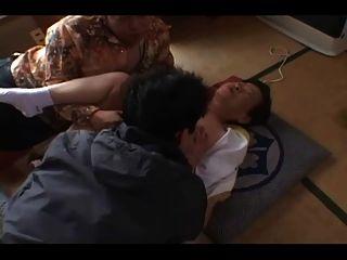 एशियाई दादी भाग 1