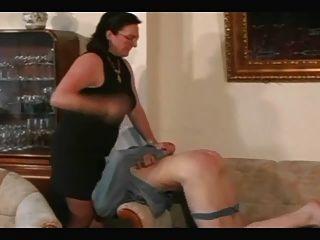 दादी पट्टियों और लड़के PT3 spanks