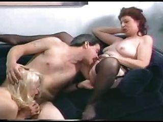 एक आदमी-fdcrn के साथ दो grannies