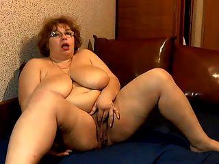 मेगा स्तन परिपक्व 2