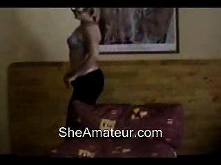गर्म माँ वेब कैमरा नृत्य और पट्टी
