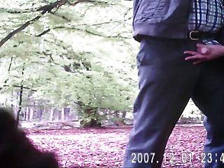 द्वि - Schwanz - geiles wichsen im Wald - समलैंगिक