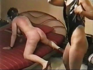 मेरी पत्नी गंभीर रूप से एक मालकिन द्वारा दंडित किया।घर बनाया वीडियो