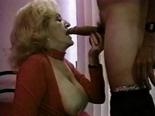 किट्टी फॉक्स - अच्छा सेक्सी दादी